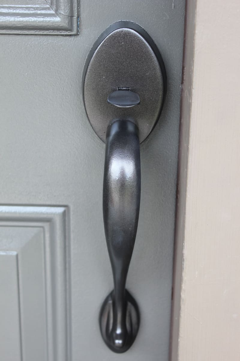 painting front doorPainting a Front Door  Helpful Tips and 5 Mistakes to Avoid