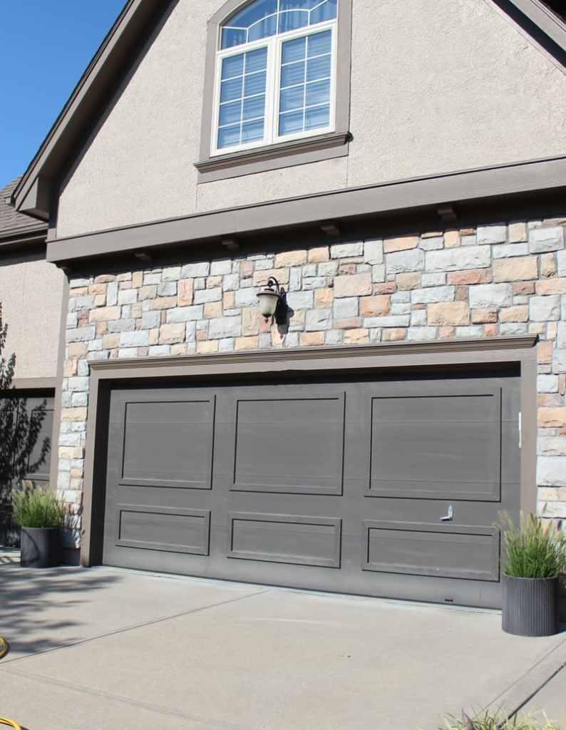 Garage door makeover, painting a garage door a dark color, Urbane Bronze on garage doors