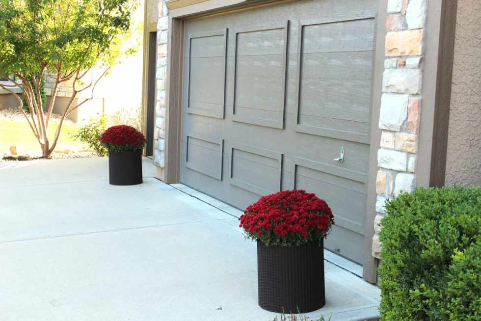 fall decor, decorating a front porch for fall, red mums