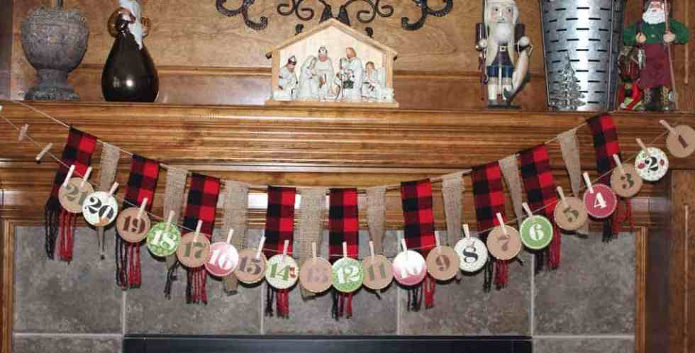 Christmas banner with burlap and buffalo check