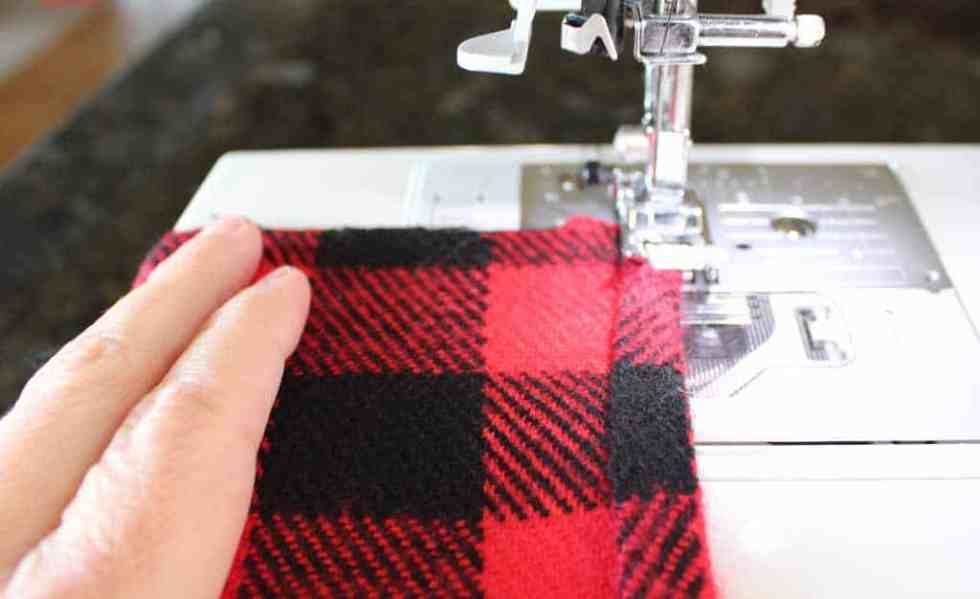 Sewing the pillow edge.