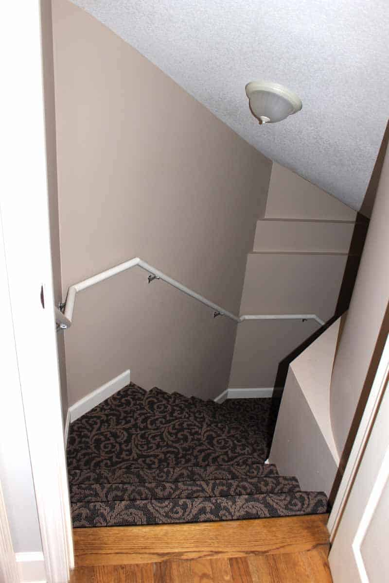 Painting white stair rail with black chalk paint