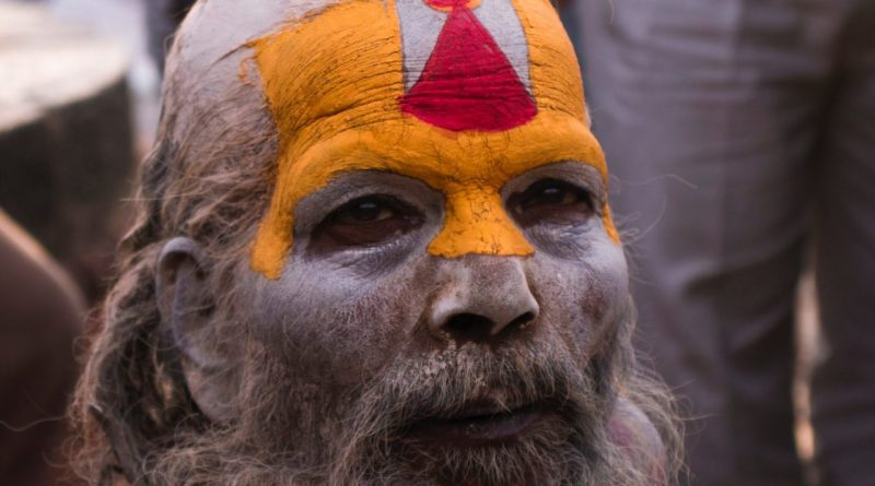 Sadhu-looking-coloured-face- (lovestatuswhatsapp.com)