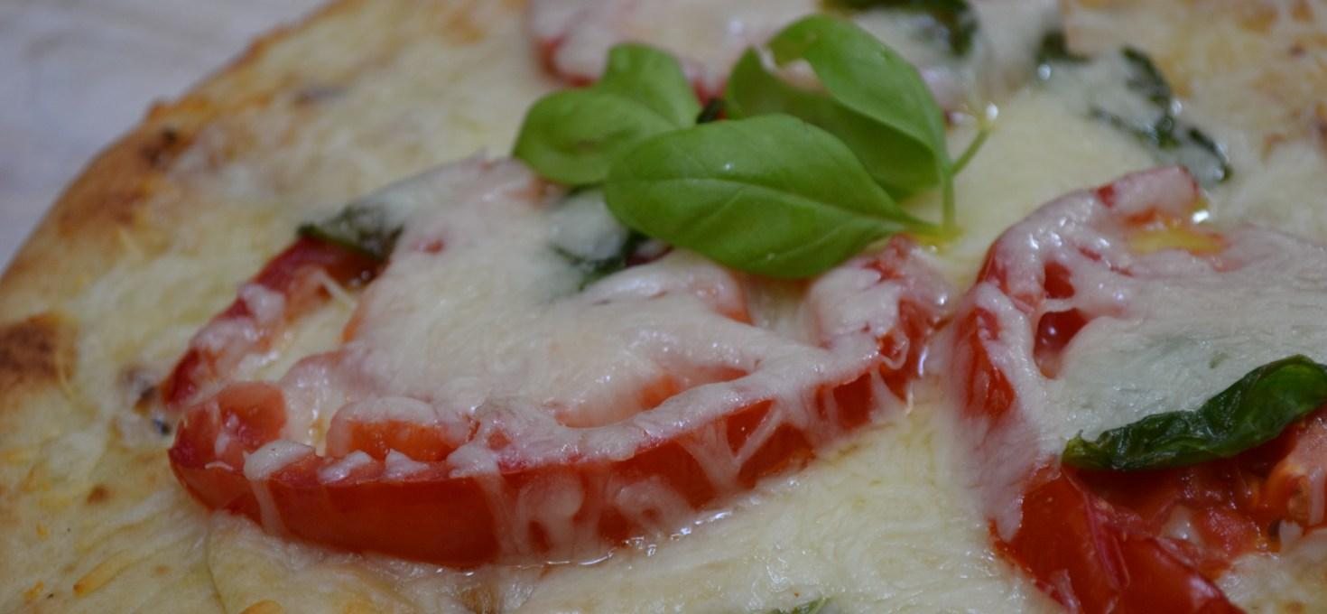 Flatbread Pizza Recipe (easy and quick snack)
