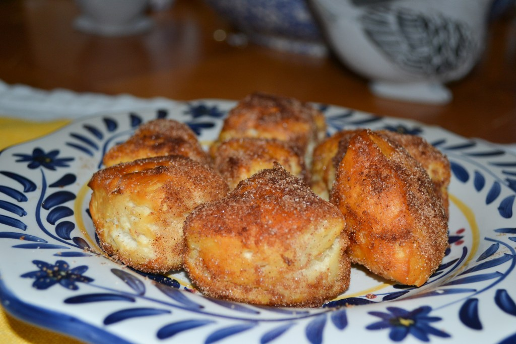 Tasty, easy and quick Air Fryer Donut Holes!