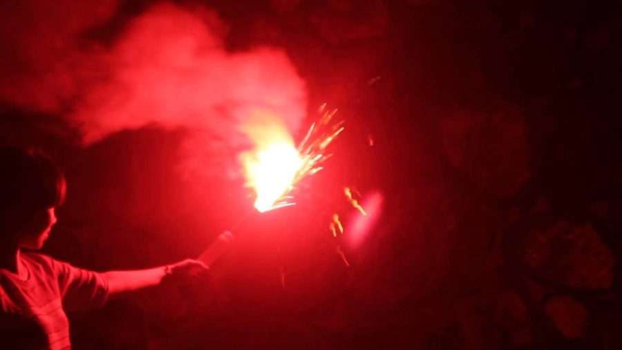 call for help, help, signal flares
