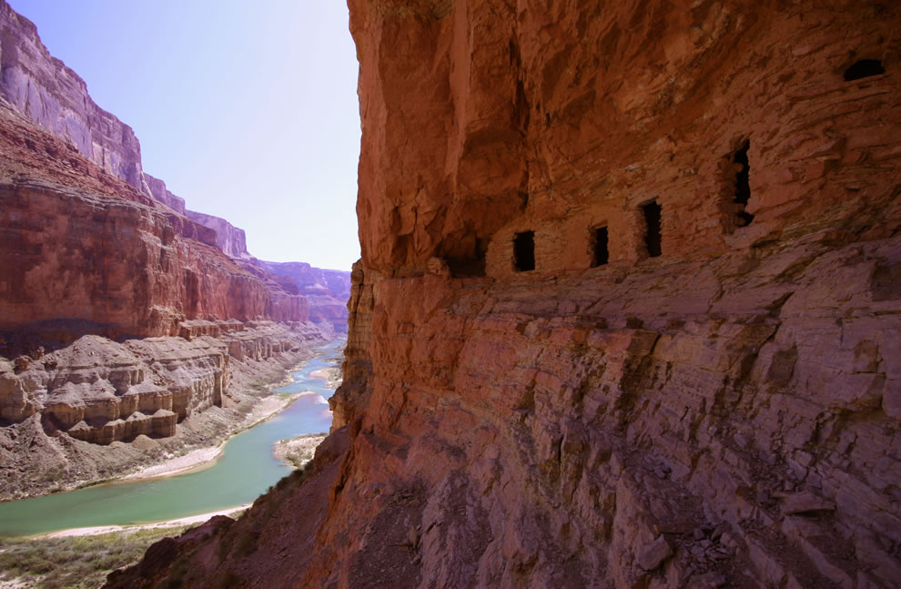 https://i1.wp.com/www.lovethesepics.com/wp-content/uploads/2011/03/Ancestral-Puebloan-granaries-high-above-the-Colorado-River-at-Nankoweap-Creek-Grand-Canyon.jpg