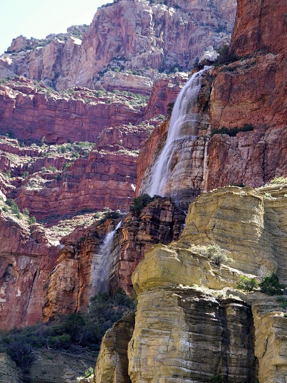 https://i1.wp.com/www.lovethesepics.com/wp-content/uploads/2011/03/Cheyava-Falls-upper-cascade-Grand-Canyon.jpg