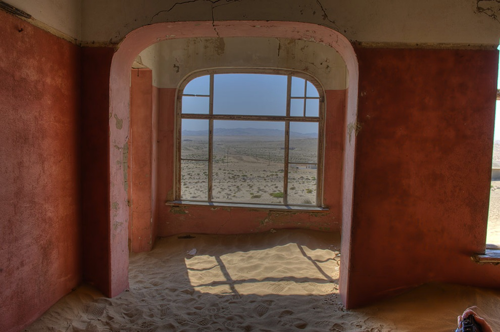 ghost town in the namibian desert kolmanskop