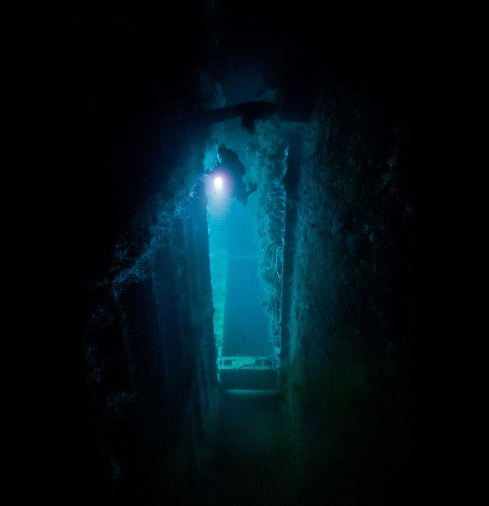 Inside the Yamigiri Maru - max depth 32m - Truk, Micronesia