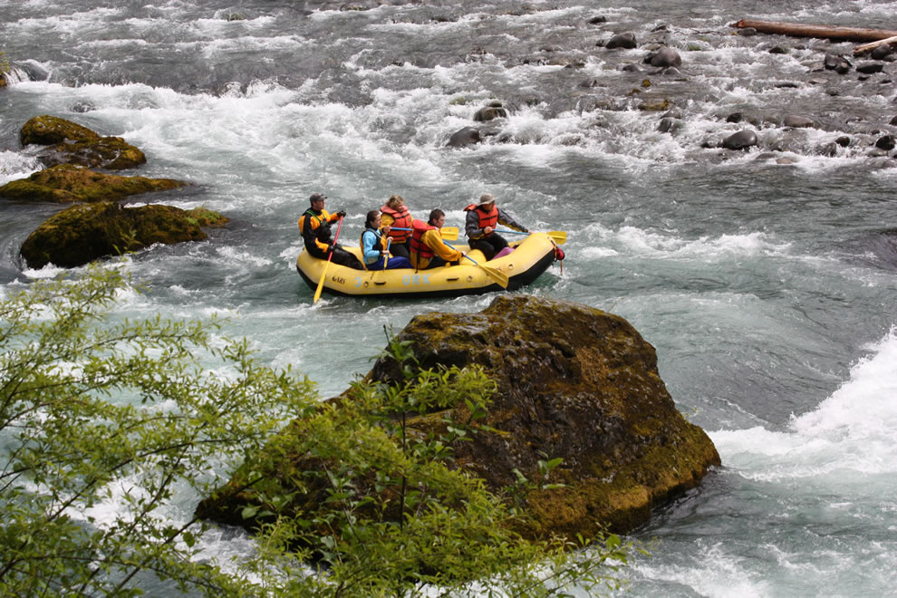 Rafting Class II+ whitewater river, Olympic Raft and Kayak - Elwha River