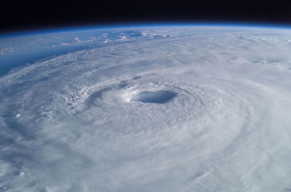 Broad view of Hurricane Isabel captured from ISS