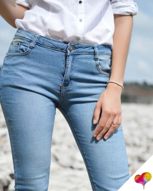 emma roberts kickflare jeans