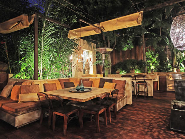 Beautiful Outdoor Room With Full KItchen Pictures Photos