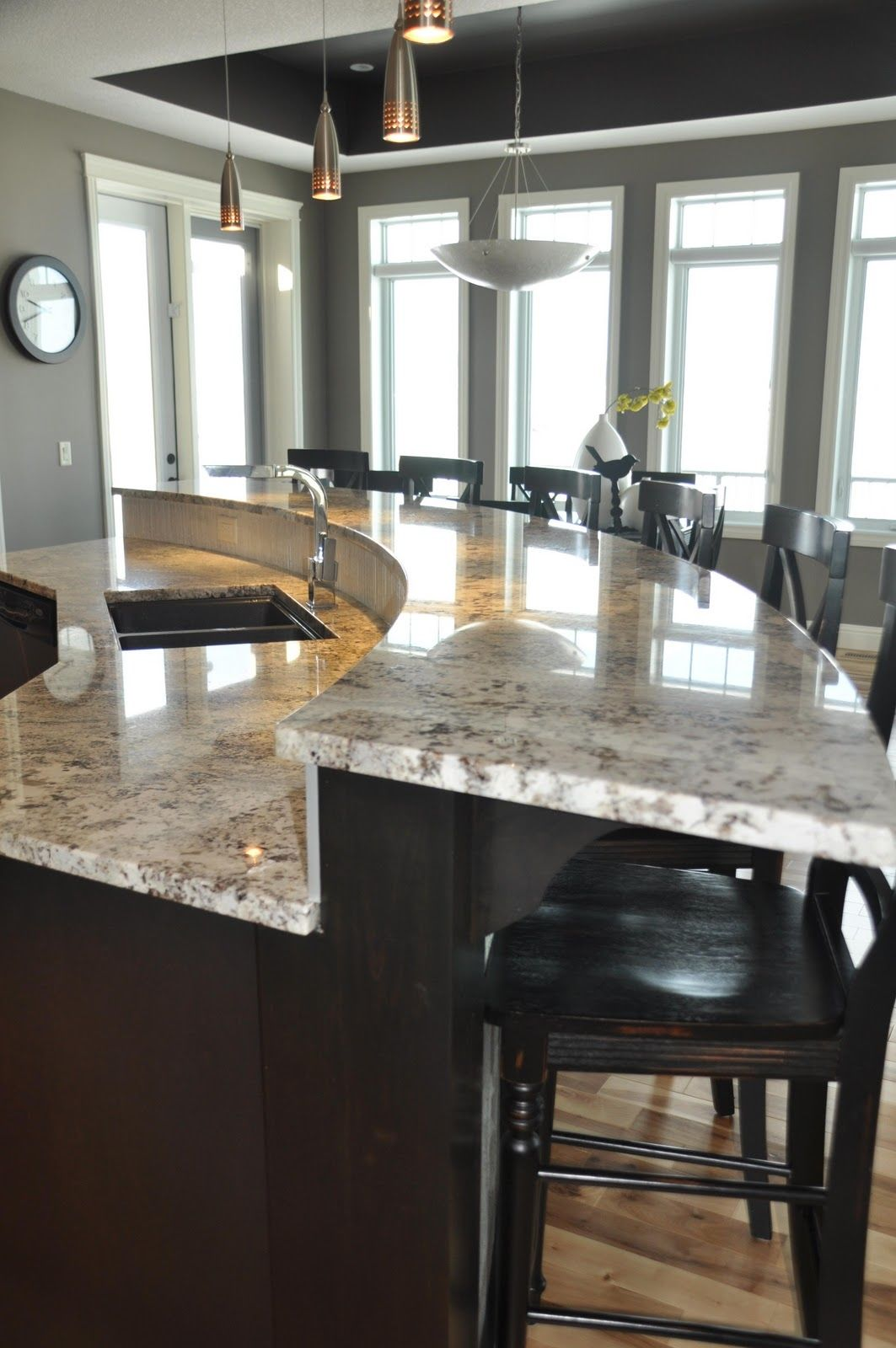 Curved Raised Eating Bar Pictures, Photos, and Images for ... on Modern:0Bjn4Cem9Be= Kitchen Counter  id=83544