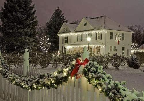 Pictures Of Beautiful Outdoor Christmas Decorations