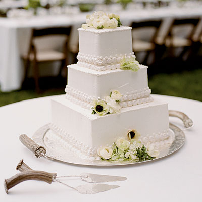 Square Wedding Cake Pictures Photos And Images For