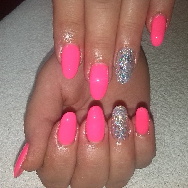 Nail Obsession: Pink Nails Drive The Boys Crazy! | Le Belle Amour