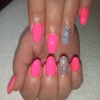 Nail Obsession: Pink Nails Drive The Boys Crazy!