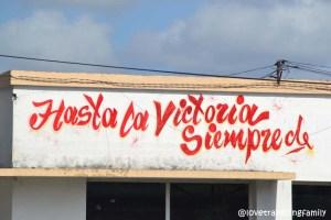 Hasta la Victoria siempre mural Santa Clara, Cuba