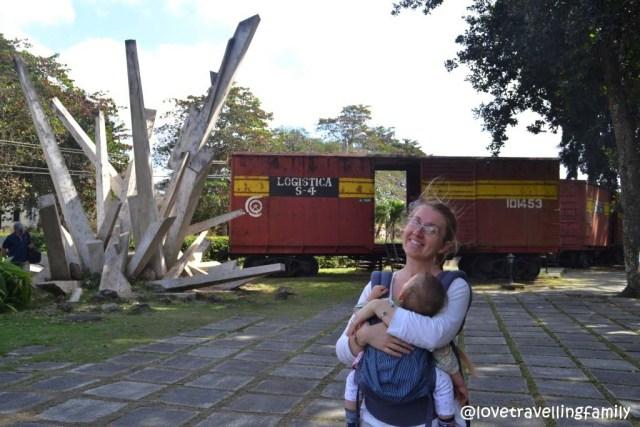 Love travelling family at Monumento a la Toma del Tren Blindado, Santa Clara, Cuba