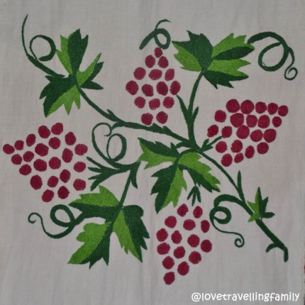 Folk decorative towel, detail grapes