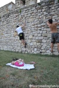 Bouldering Kalemegdanska tvrdjava Kalemegdan, Serbia, Belgrade with kids, Love travelling family