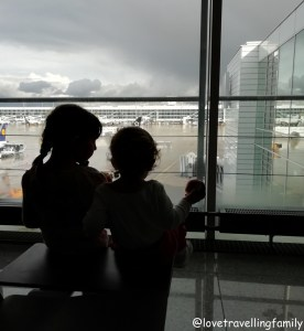 Bangkok with kids. Thailand with family for beginners, Love travelling family