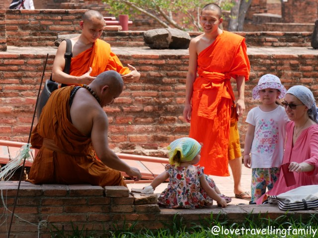Bangkok with kids. Thailand with family for beginners, Love travelling family Ayutthaya, Buddhist monks