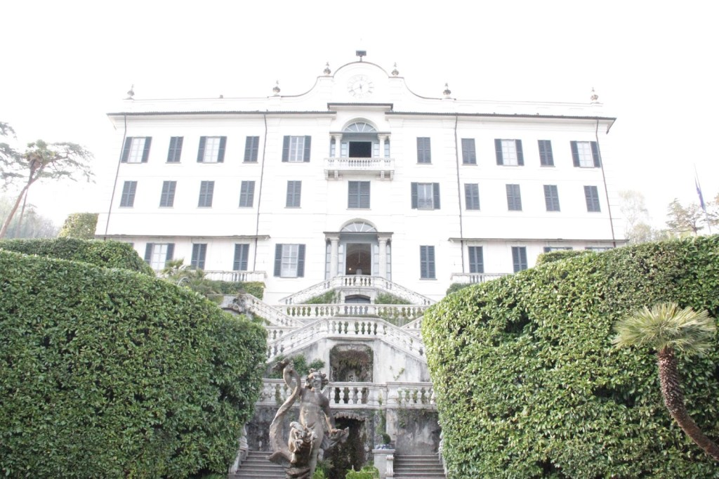 View of the front of Villa Carlotta