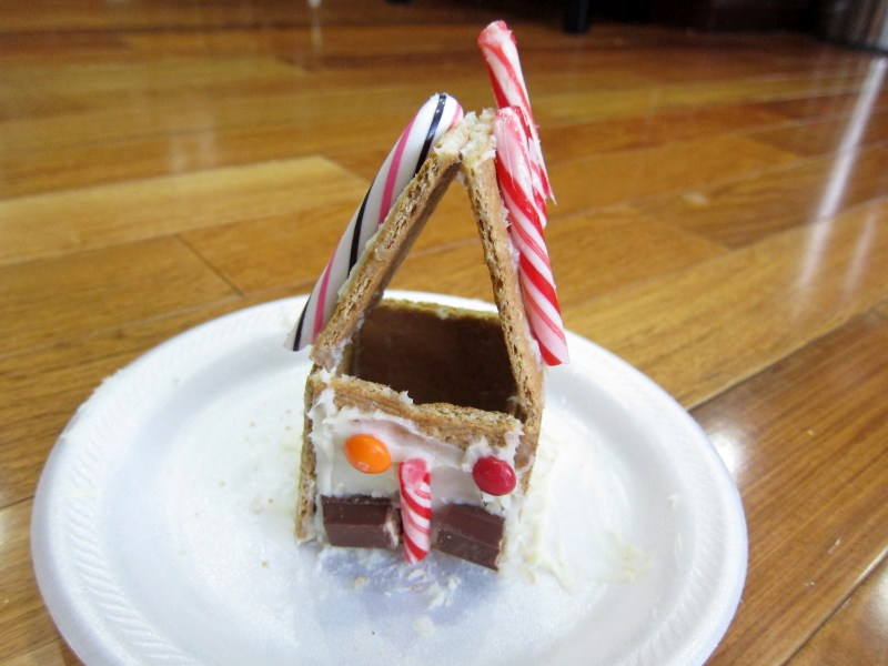 christmas-gingerbread-houses-2