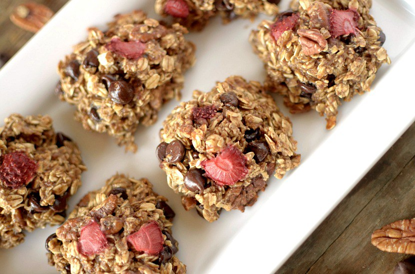 banana-split-breakfast-cookies-2
