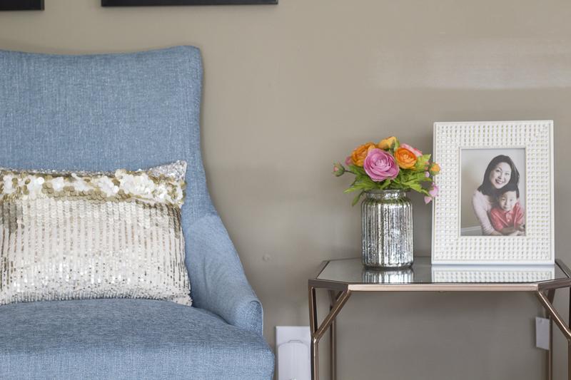 livingroom-reveal-transformation-room-makeover-sitting-area
