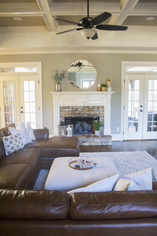 Modern farmhouse living room love your abode - Modern farmhouse living room ...