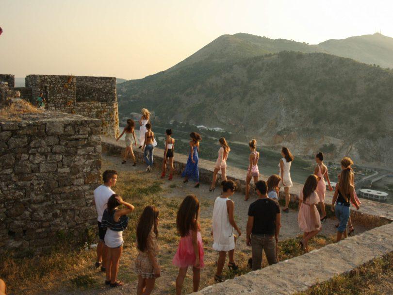 rozafa castello scutari albania fortezza shqiperia shkoder donne modelle albanesi colle
