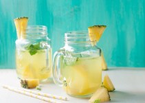 Pineapple Detox Water