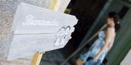 cartel bienvenidos loving lavanda