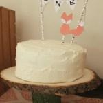 DIY O-N-E Bunting Cake Topper