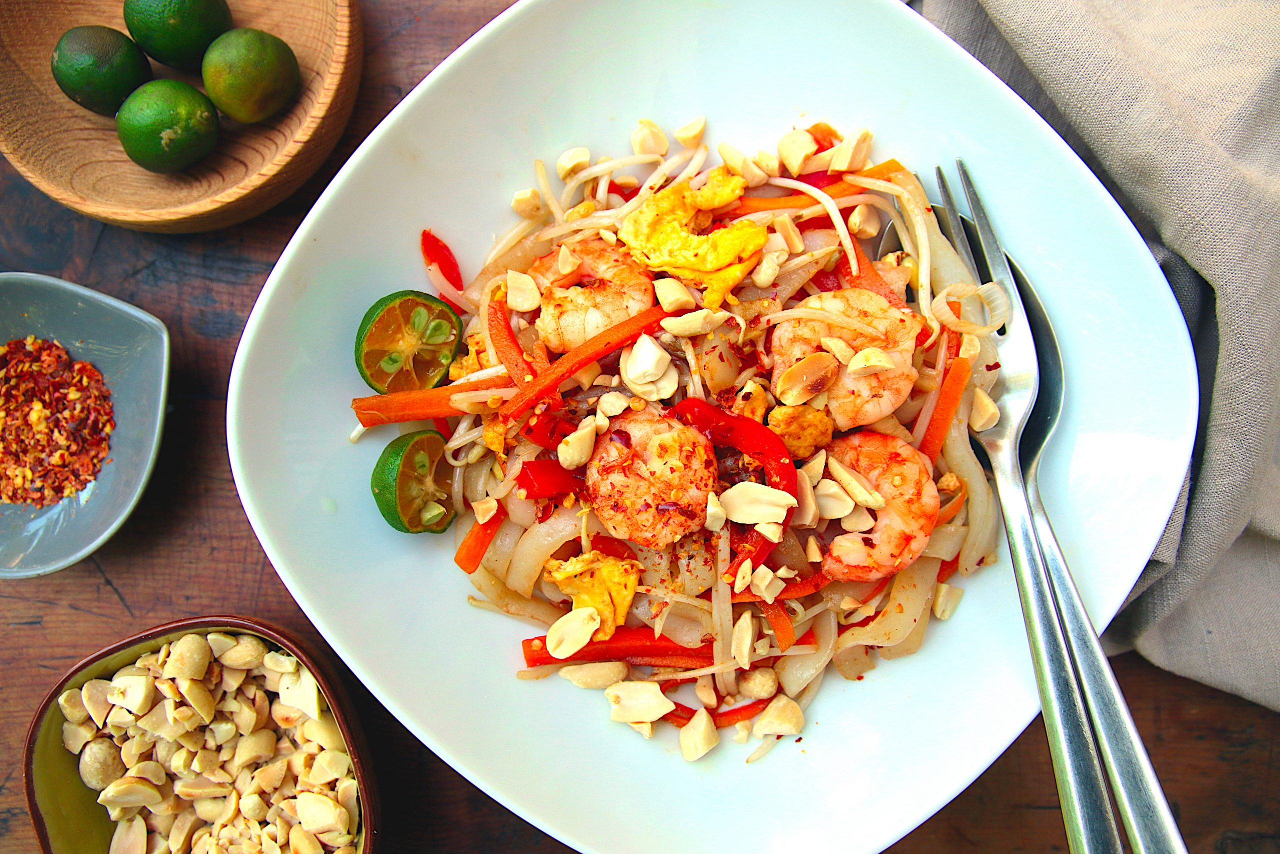 low carb pad Thai with prawns