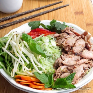 Thai Beef Salad Noodle Bowls with Miracle Noodles are a delicious low carb Asian meal. | low carb, gluten-free, dairy-free, paleo, keto | lowcarbmaven.com