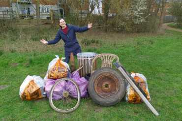 Litter-busting residents out again this weekend