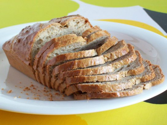 Simple and Fluffy Gluten-Free Low-Carb Bread, Slices