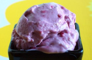 Instant Low-Carb Raspberry Ice Cream (Sugar-Free, Egg-Free) 2