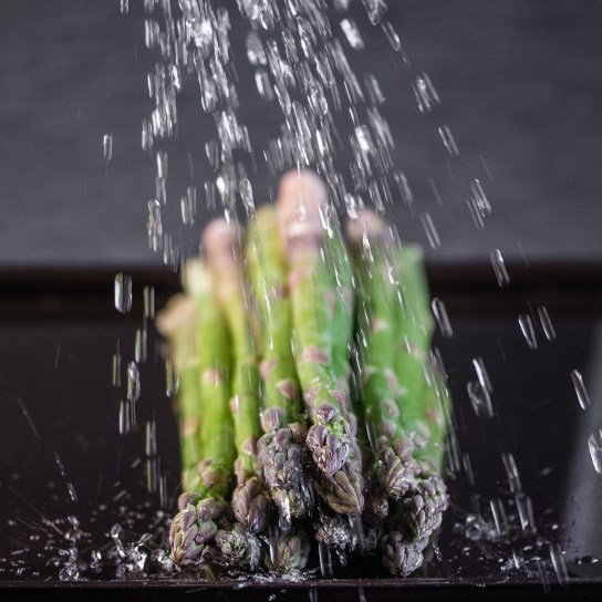 Smoky Asparagus, Washing the Asparagus | Low-Carb, So Simple!