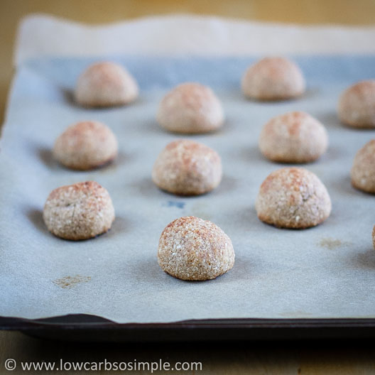 Heavenly Cinnamon Bites; Ready Cinnamon Bites, Straight from the Oven | Low-Carb, So Simple!