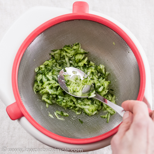 Tzatziki; Pressing the Water out of the Cucumber | Low-Carb, So Simple!