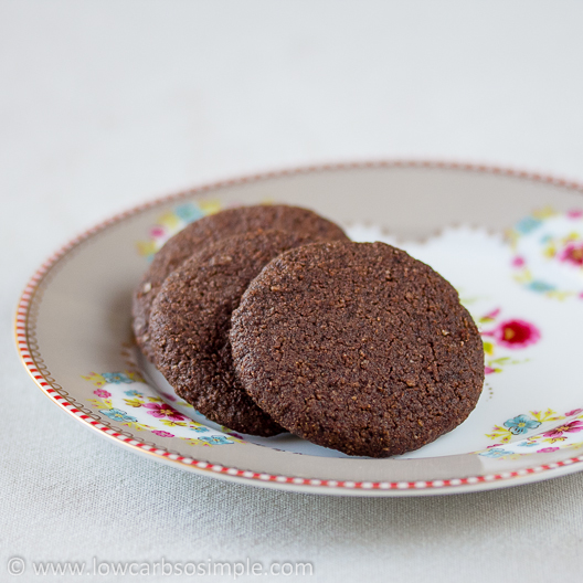 Super Easy Chocolate Cookies   Low-Carb, So Simple!