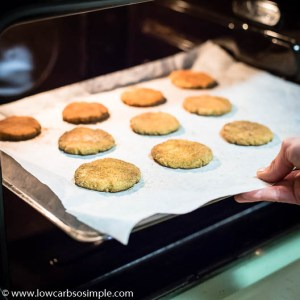 To the Oven   Low-Carb, So Simple