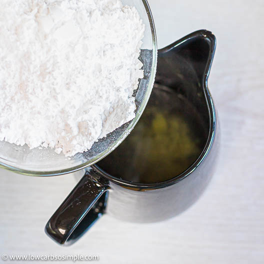 Adding Powdered Erythritol | Low-Carb, So Simple
