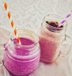 Banana and Frozen Berries Smoothies